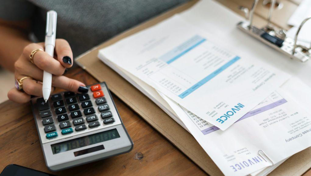 women doing a calculation